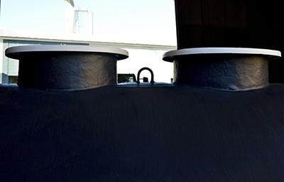 Boca de hombre tanque en PRFV